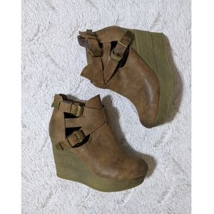🆕 Sbicca Vintage Collection Wedge Booties Sz 7